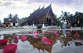 Wat Xieng Thong temple, Luang Prabang, Laos Indochina, Asia