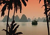 Junk in Halong Bay, Halong Bay, Vietnam, Indochina