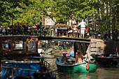 Boats, Open Air Restauarnt, Canal Bridge, Egelantiersgracht, Jordaan, People sitting in open air restauarnt on canal bridge over Egelantiersgracht, Jordaan, Amsterdam, Holland, Netherlands