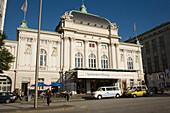 Deutsches Schaupielhaus, Front view of Deutsches Schauspielhaus, Hamburg, Germany