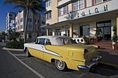 Oldtimer at Art Deco District, Miami, Florida, USA, America