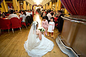 Wedding party in Peace Hotel,White wedding, Peace Hall, interior, bride with kids, banquet