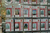 Real estate advertising, Shanghai,Real estate advertising, flats, price, Immobilienanzeige, Wohnungsgrundriss, rent, buy, Kaufen, mieten, Schaufenster, ads in window display