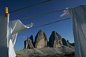 Blankets on clothesline, Tre Cimo Di Lavaredo, Peaks, Dolomiten, Italien