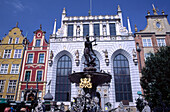 The Neptun Fountain, a symbol of Gdansk, built in 1633 in front of the Artus Mansion, Gdansk, Danzig, Poland