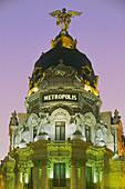 The Metropolis building, Edificio Metropolis in the evening light, Madrid, Spain