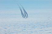 Aircraft with contrails, Airbus A340