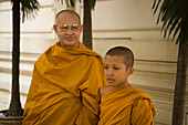 Two buddhist monks, Wat Mahathat, Ko Ratanakosin, Bangkok, Thailand