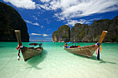 """Two boats anchoring in the Maya Bay, a beautiful scenic lagoon, famous for the Hollywood film """"The Beach"""", Ko Phi-Phi Leh, Ko Phi-Phi Islands, Krabi, Thailand, after the tsunami"""