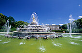 Fountain in front of castle of Herrenchiemsee, island of Herrenchiemsee, Lake Chiemsee, Chiemgau, Upper Bavaria, Bavaria, Germany