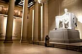 Ein Statue von President Abraham Lincoln, Lincoln Memorial, Washington DC, Vereinigte Staaten von Amerika, USA