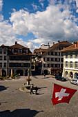 View over Rathausplatz (town hall square), Thun (largest garrison town of Switzerland), Bernese Oberland (highlands), Canton of Bern, Switzerland