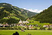 View over Grossarl with parish church St. Martin and Ulrich, Grossarl, Grossarl Valley, Salzburg, Austria