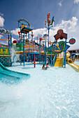 Nasser Spaß im Wasserpark, Blue Parrotfish Water Park auf De Palm Island, Aruba, ABC-Inseln, Niederländische Antillen, Karibik