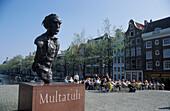 Multatuli monument, Torensluis, Singel, Amsterdam, Holland, Netherlands