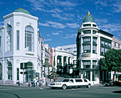 USA, Los Angeles, Beverly Hills, Rodeo Drive, stretch limousine
