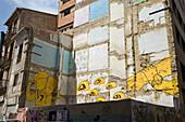 Abrisswand mit Graffiti, Altstadt, Valencia, Spain