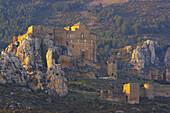 Burg, Castillo de Loarre, in Abendstimmung, ruhige Landschaft, Aragonien, Spanien, Europa