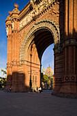 Arc de Triomf, Triumphbogen, Passeig Lluís Companys, Gebäude für die Weltausstellung 1888, Parc de la Ciutadella, Barcelona, Katalonien, Spanien