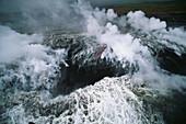 Lavafluß, Pu'u O'o Krater, Mündung ins Meer bei Kamoamoa, Kilauea, Big Island, Hawaii, USA