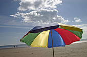 Beach, Beaches, Calm, Calmness, Cloud, Clouds, Coast, Coastal, Color, Colored, Colorful, Colors, Colour, Coloured, Colourful, Colours, Concept, Concepts, Contemporary, Daytime, Exterior, Holiday, Holidays, Horizontal, Leisure, Outdoor, Outdoors, Outside,