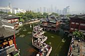 Yu Yuan Gardens and Bazar. Shanghai City. 2006. China