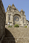 Architecture, Building, Buildings, Church, Churches, Color, Colour, Daytime, Exterior, Facade, Façade, Facades, Façades, Low angle view, Outdoor, Outdoors, Outside, Rose, Rose window, Rose windows, Roses, Stairs, Step, Steps, Temple, Temples, View from b
