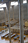 The Great Library opened 2002, architect Snohetta team from Norway winner of an international architecture contest (650) organized and financed by Unesco. Corniche. City of Alexandria. Egypt