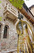 Courtyard of Juliet s House. Verona. Veneto, Italy