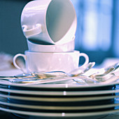 Clean, Close up, Close-up, Closeup, Color, Colour, Concept, Concepts, Cup, Cups, Cutlery, Dish, Dishes, Heap, Heaped, Heaps, Indoor, Indoors, Inside, Interior, Object, Objects, Pile, Piled up, Piles, Plate, Plates, Ready, Spoon, Spoons, Square, Stack, St