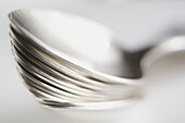 Close up, Close-up, Closeup, Color, Colour, Concept, Concepts, Cutlery, Detail, Details, Heap, Heaps, Indoor, Indoors, Inside, Interior, Metal, Object, Objects, Pile, Piles, Selective focus, Spoon, Spoons, Stack, Stacks, Still life, Thing, Things, B75-41