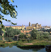 Andalucia, Andalusia, Architecture, Bridge, Bridges, Cities, City, Cityscape, Cityscapes, Color, Colour, Cordoba, Cordova, Daytime, Europe, Exterior, Guadalquivir, Historic, Historical, History, Outdoor, Outdoors, Outside, River, Rivers, Roman bridge, Sp