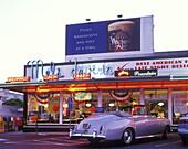 Street scene, Mels drive-in diner, Lombard street, San francisco, California, USA.