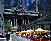 Street scene, Cafe, grand central station, Manhattan, New York, USA.