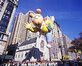 Arthur balloon, Macy s thanksgiving day parade, Manhattan, New York, USA.