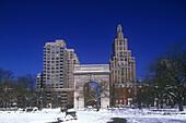 Snow, Washington square Park, Greenwich village, Manhattan, New York, USA