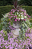Floral Display. Avenue Gardens. Regents Park. London, UK.