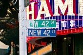 42nd Street, America, Cities, City, Color, Colour, Concept, Concepts, Daytime, Detail, Details, Exterior, Horizontal, Information, Mid-Atlantic USA, New York, New York City, North America, Northeast USA, NY, NYC, Orientation, Outdoor, Outdoors, Outside,