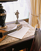 Afternoon, Antique, At home, Color, Colour, Concept, Concepts, Daytime, Decoration, Detail, Details, Furniture, Home, Indoor, Indoors, Inside, Interior, Mandolin, Mandolins, Morning, Music, Musical instrument, Musical instruments, Nobody, Old, Peaceful,