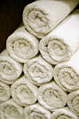 Clean, Close up, Close-up, Closeup, Color, Colour, Concept, Concepts, Design, Gym, Gym towels, Heap, Heaps, Hotel spa, Household linen, Hygiene, Indoor, Indoors, Inside, Interior, Linen, Pile, Piles, Pyramid, Pyramids, Relax, Relaxation, Relaxing, Rolled