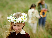 Exterior, Female, Flower, Flowers, Friend, Friends, Friendship, Girl, Girls, Horizontal, Human, Inf