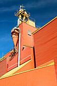 Red grain elevator (feature of the Saskatchewan landscape). Davidson. Saskatchewan, Canada