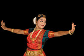 India Kerala Kumarakom backwaters Taj Garden Retreat Hotel dance performance