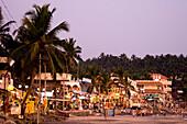 India Kerala Kovallam beach Restaurants Bars Daemmerung