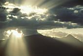 Cloud, Clouds, Color, Colour, Exterior, Horizontal, Landscape, Landscapes, Light, Nature, Outdoor, Outdoors, Outside, Scenic, Scenics, Skies, Sky, CatV2, 696, agefotostock