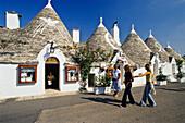 trulli-houses, Alberobello, Gargano, Apulia, Italy, Europe