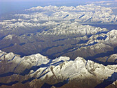 Aerial view, Aerial views, Color, Colour, Daytime, Exterior, Immense, Immensity, Landscape, Landscapes, Mountain, Mountain range, Mountainous, Mountains, Nature, Outdoor, Outdoors, Outside, Overview, Overviews, Peak, Peaks, Rough, Rugged, Scenic, Scenics