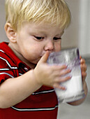 toddler drinking milk