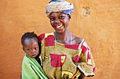 Bambara mother and child. Ségou. Mali