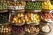 Abundance, Abundant, Aliment, Aliments, Background, Backgrounds, Basket, Baskets, Color, Colour, Detail, Details, Exotic, Food, Fruit, Fruits, Garlic, Healthy, Healthy food, Indoor, Indoors, Inside, Interior, Market, Markets, Nourishment, Nutrition, Onio